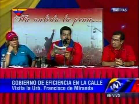 Presidente Nicolás Maduro sobre titular de 2001 afirmando que no hay gasolina