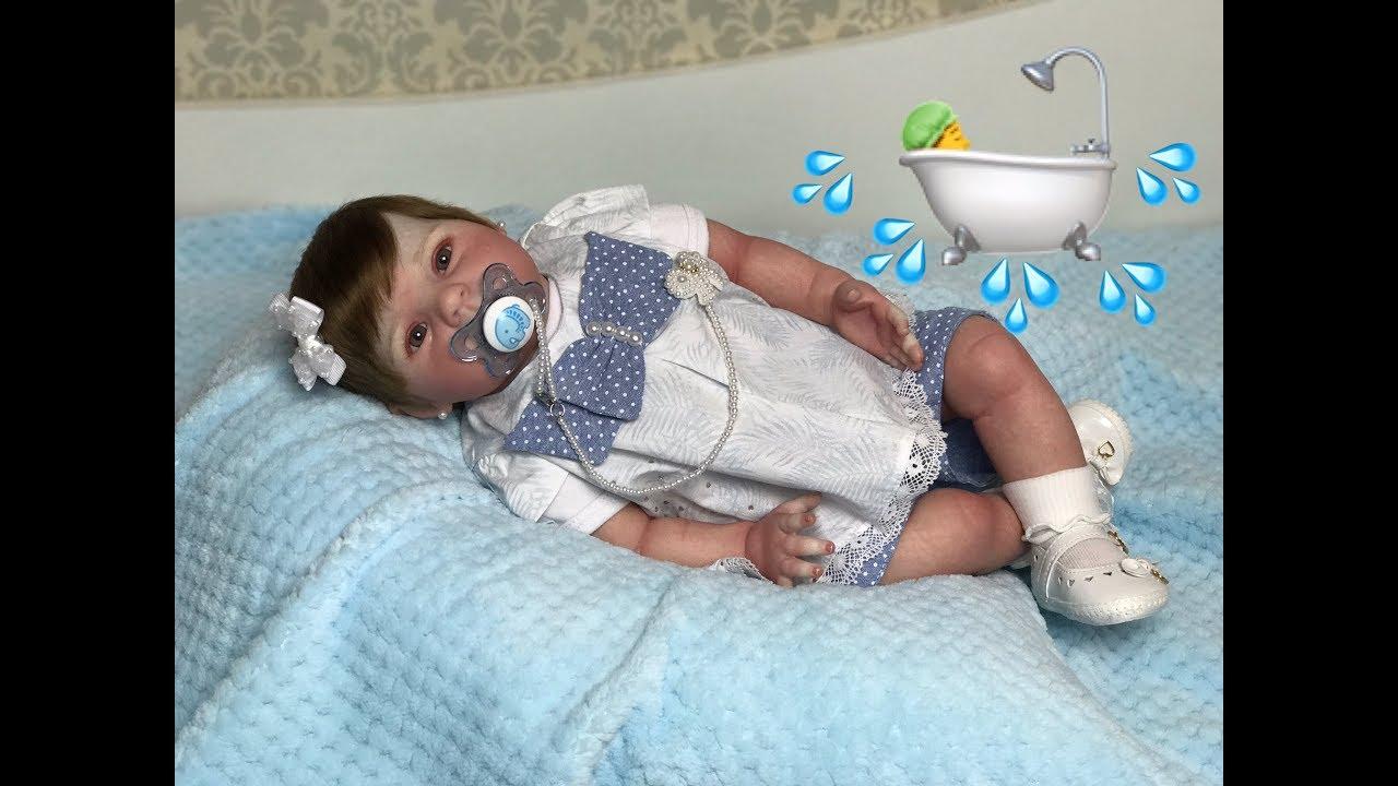 2e026d2863 O primeiro BANHO DE VERDADE da minha bebê reborn - YouTube