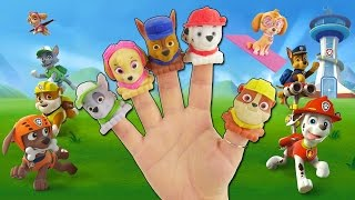PAW PATROL PEPPA PIG COSTUMES SING FINGER FAMILY 5 LITTLE MONKEYS JUMPING ON THE BED NURSERY RHYME!