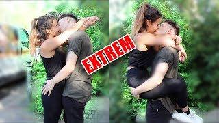 Download Lagu Kissing Prank EXTREM!- Mädchen küssen 5| Snape Tv mp3