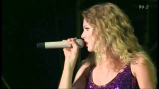 Taylor Swift - Love Story (Live at Summer Sonic Festival 2010)