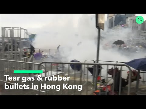 Police Use Tear Gas and Rubber Bullets Against Protesters in Hong Kong