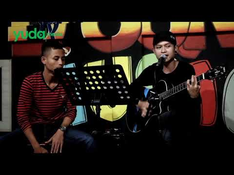 Terlatih Patah Hati - The Rain ft Endak Soekamti (Cover Musisi Jalanan Malang)