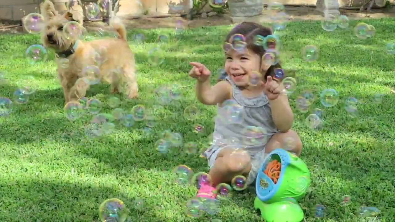 How To Have A Bubble Party Bubble Machine Review Youtube