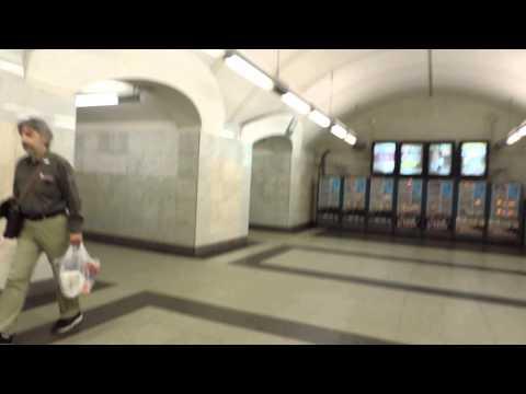 Станции метро Цветной бульвар и Трубная