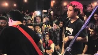 Video [LIVE] 2016.03.10 Pee Wee Gaskins - Serotonim download MP3, 3GP, MP4, WEBM, AVI, FLV Maret 2018