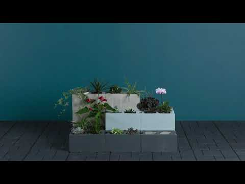 diy-cinder-block-bench-with-planters