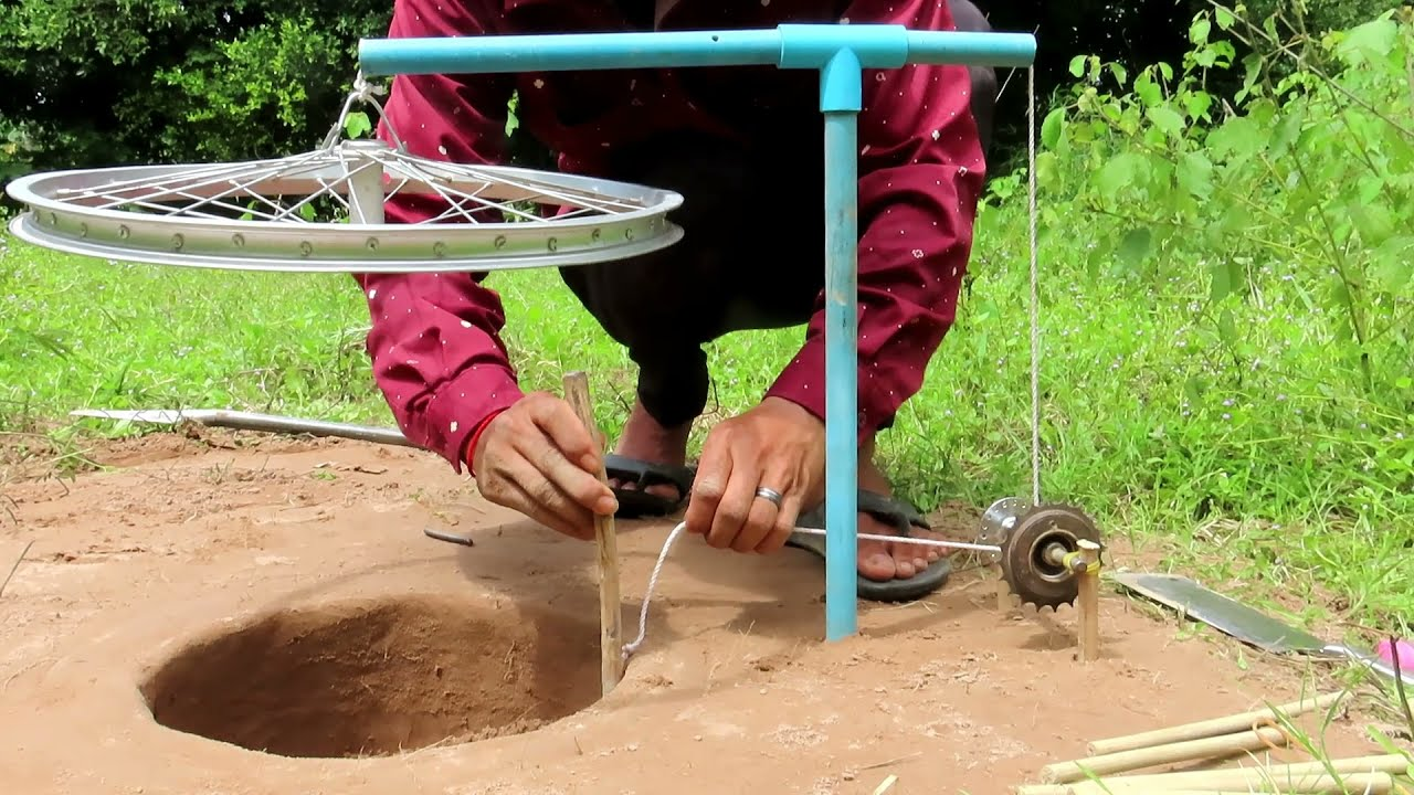 Amazing Easy Quick Bird Trap Make From Blue PVC Hammer And Bike Crank.