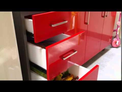 0812 1233 9393 jasa kitchen set minimalis merah ferrari di for Jasa buat kitchen set