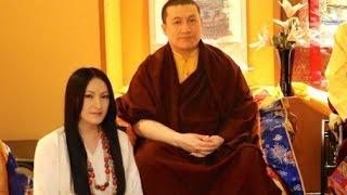 藏傳佛教高僧結婚,被稱為17世噶瑪巴 thumbnail