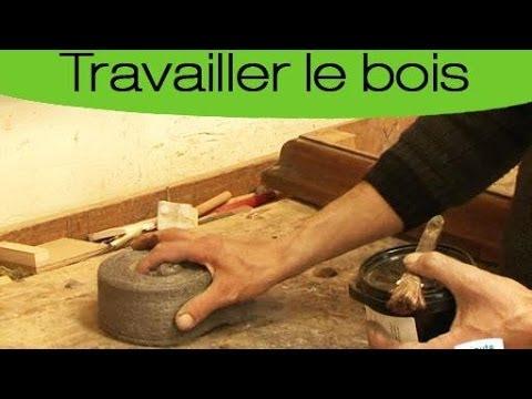 D capage bois vernis lasur doovi for Decapage meuble bois vernis