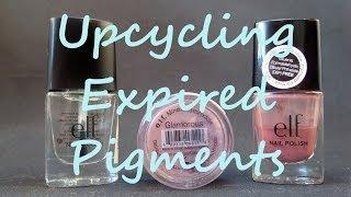 Upcycle expired makeup:  Eyeshadow pigments into nail polish!