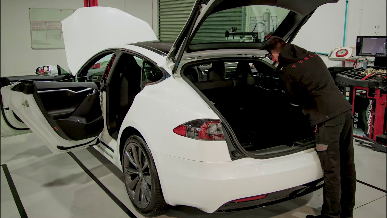 Tesla Mobile Service Hits The Road Youtube