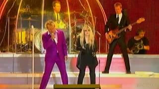 Rod Stewart \u0026 Stevie Nicks sing Young Turks (live) in Hyde Park (2011)