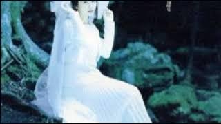 吉田真里子 - 瞳をふせないで