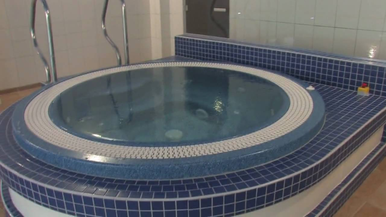 days hotel waterford swimming pool jacuzzi youtube. Black Bedroom Furniture Sets. Home Design Ideas