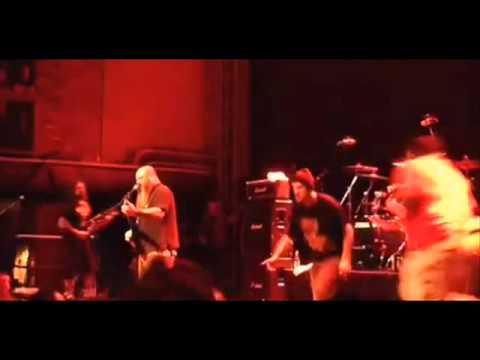 Crowbar vocalist kicks fan onstage -- Arch Enemy 1st show w/ new singer setlist, vid -- Epica video