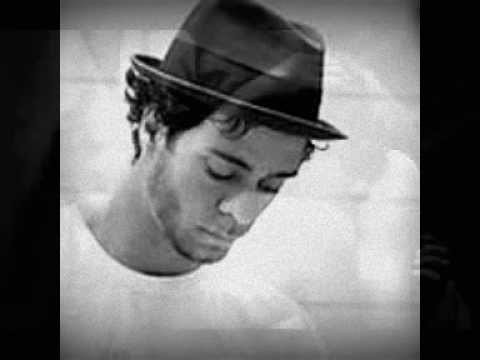 Amos Lee.. in the arms of a woman.
