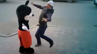 Mickey Mouse gone on holiday