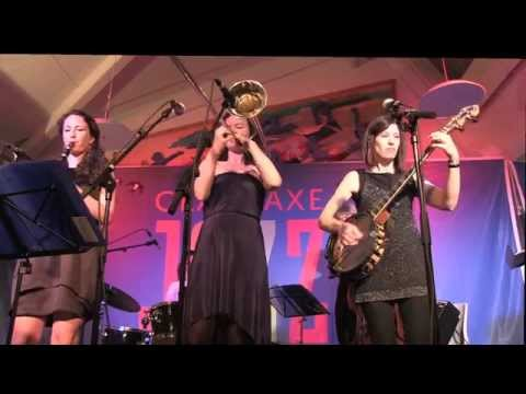 Bogalousa Strut / Cynthia Sayer's Women Of The World Jazz Band