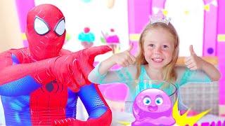 Nastya dan ayah membuat slime dengan lem yang terang dan bercahaya