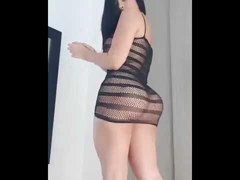 Chica cojiendo
