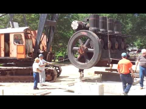 Zagray Farm Museum-Lifting a 22-ton Fairbanks-Morse engine with a Northwest 80D