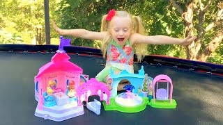 Little People Disney Princess Castle Playset W/ Ariel, Cinderella, Rapunzel, Aurora Dolls Toys