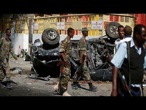 الصومال: قتلى بينهم مسؤول حكومي في هجوم لحركة الشباب على وزارتين في مقدشيو  - نشر قبل 3 ساعة