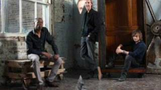 Mike and the Mechanics - Reach Out (Touch the Sun)