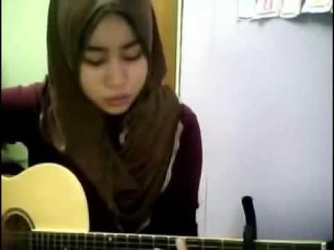 cewek cantik main gitar kerren banget, bisa ketagihan