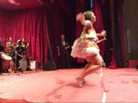 GUADELOUPE - Filles super rapides (live drums - gwo ka)