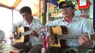 Đàn hát guitar đúng nhịp Bài Trăng tàn trên hè phố