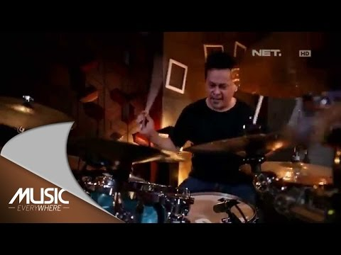 Potret - Bagaikan Langit (Live At Music Everywhere) *