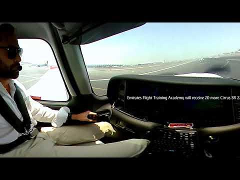 Cirrus Aircraft landing in Dubai | 360 video | Emirates Flight Training Academy