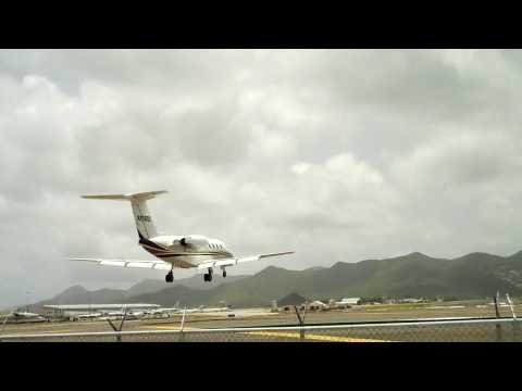 Private Jet coming into St. Maarten