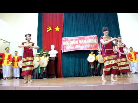 Nổi trống lên các bạn ơi - Lớp 12CH trường THPT Nguyễn Hữu Huân