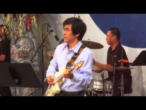 ASIA ONLINE : Nguyễn Hồng Nhung, Quốc Khanh hát live (Missouri 2012)