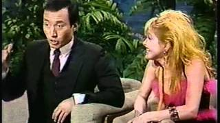 Cyndi Lauper interview w/ Johnny and performs Change of Heart