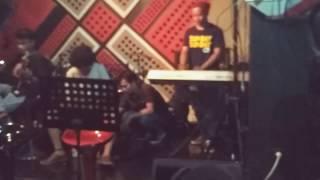 Moonshine - Kamu ( akustik ) Live at Divi Cafe, Kukusan Beji Depok