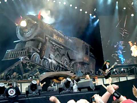 AC/DC - Rock 'n' Roll train and Intro Live Tampere Finland 1.6.2010