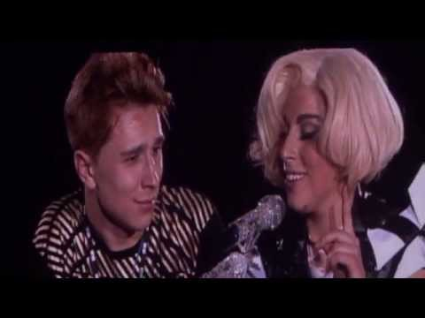 Lady Gaga - What's Up (4 Non Blondes Live Cover) @ Barcelona (08.11) HD