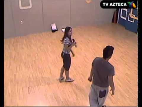 """Gina Montando La Coreografía """"Ojos Así"""" (05/10/2010)"""