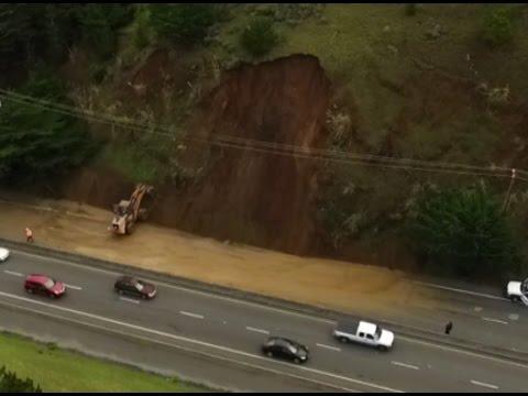 Pacifica Ca Landslide Blocks Hwy 1 Monday Jan 9 2017 Drone Footage  空中攝影