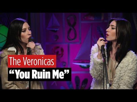 The Veronicas Perform 'You Ruin Me'