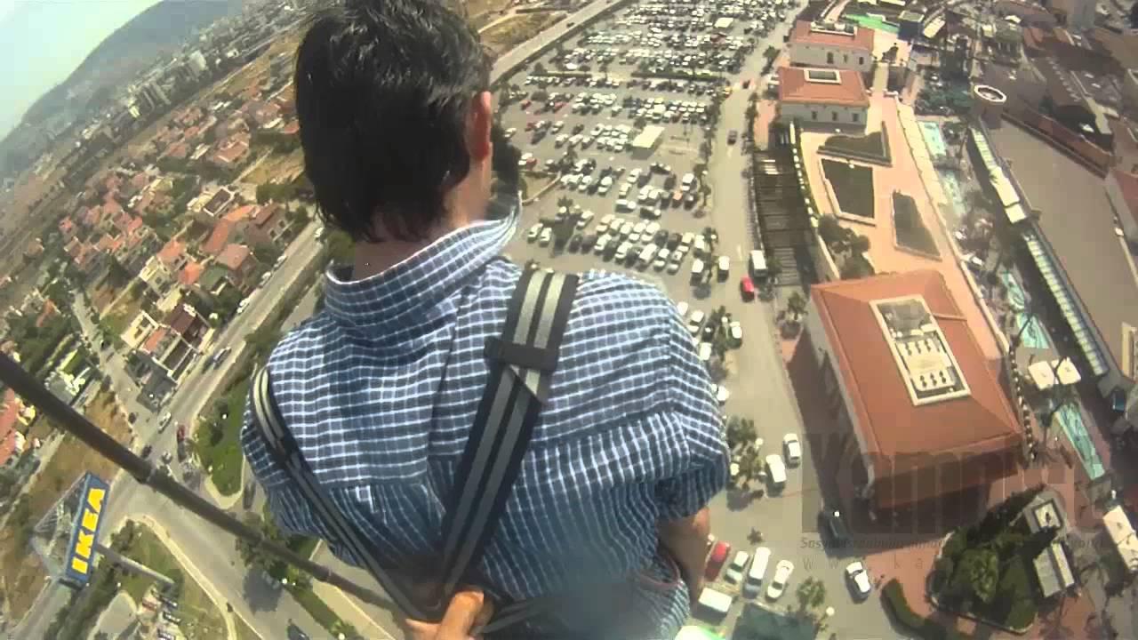 İzmir'de adrenalin dolu bungee jumping görüntüleri