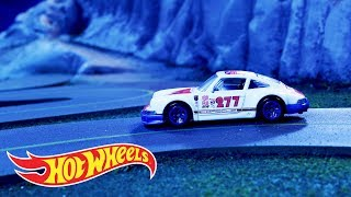 Hot Wheels® Nightburnerz® Cars Burn the Midnight Oil | Hot Wheels