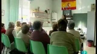 Mara Torres - La2N / Clases sobre teléfonos móviles para mayores