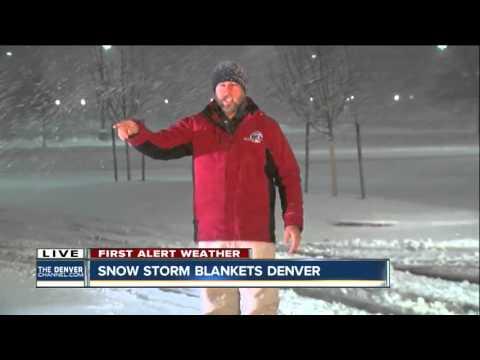 Snow Liveshot 5am in Superior, Colorado March 18, 2016