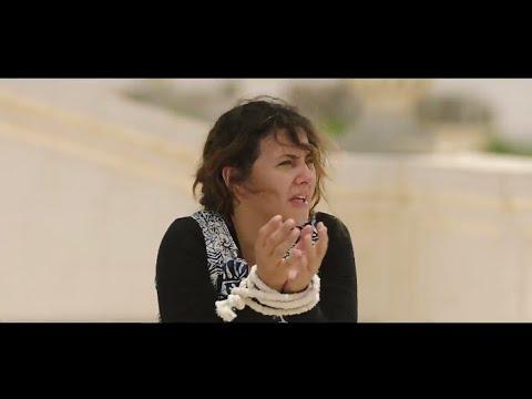 دنيا سمير غانم هتموتك من الضحك وهي بتحكي كانت  بتعمل ايه في مصر قبل ما تفقد الذاكرة😁😁